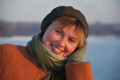 dorosła uśmiechnięta kobieta obraz stock