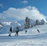 dorosła narciarka Zdjęcia Stock