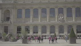 Dorosli i dzieci w ogródzie botanicznym w Paryż zdjęcie wideo