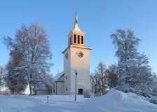 Dorotea kyrka i vinter, Sverige Arkivbild
