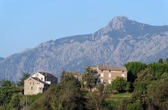 Dorp in Corsica berg royalty-vrije stock fotografie