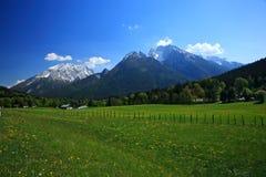 Dorp in de Alpen Royalty-vrije Stock Foto's