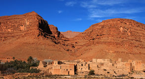 Dorp in de Vallei van de Woestijn, Marokko Stock Foto's