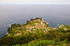 Dorp - Faja, het eiland van Jorge van Sao Stock Afbeelding