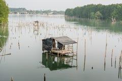 Dorp in het overzees en dorp royalty-vrije stock fotografie