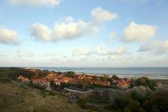 Dorp Oost-Vlieland ; Village Oost-Vlieland (Pays-Bas) images libres de droits