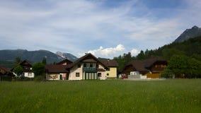 Dorp in Oostenrijk stock foto's