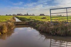 Dorp in platteland Nederland Royalty-vrije Stock Foto