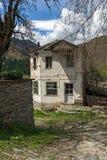 Dorp van Kosovo met Authentieke de 19de eeuwhuizen, Bulgarije royalty-vrije stock foto's