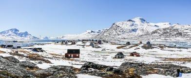 Dorp van Qoornoq het vroegere vissers, nowdays de zomerwoonplaats in Th royalty-vrije stock afbeeldingen
