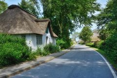 Dorp van Wasserkoog, Eiderstedt-Schiereiland, het Noorden Frisia, Duitsland royalty-vrije stock foto