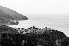Dorpen Corniglia en Manarola bij de Ochtend stock afbeeldingen