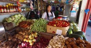 Dorps Aziatische markt stock footage