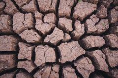 Dorre grond, het tekort van het seizoenwater stock foto