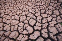 Dorre grond, het tekort van het seizoenwater stock afbeeldingen