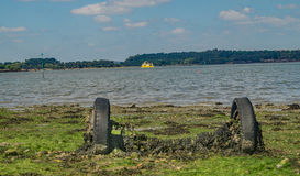 Μια εγκαταλειμμένη ζωηρόχρωμη παραλία υγρότοπου του Dorset στοκ φωτογραφία