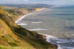 Dorset-Küstenlinie, die in Richtung des Westschachtes blickt Stockfotografie