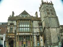 Dorset ståndsmässigt museum och kyrkligt torn fotografering för bildbyråer