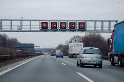 Dortmund Niemcy, Grudzień, - 14, 2018: Drogowy ruch drogowy na niemieckim autobahn 44, autobahn 1, autobahn 2 fotografia royalty free