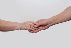 Dos abuelos de las manos Foto de archivo