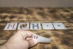 Dos aces en las tarjetas de juego fotos de archivo libres de regalías