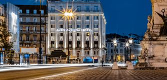 DOS admitido foto larga Restauradores, Lisboa de Praça de la exposición imagen de archivo