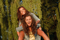 Dos adolescentes Fotos de archivo libres de regalías
