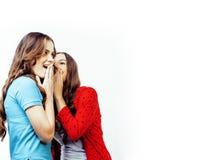 Dos adolescentes de los mejores amigos junto que se divierten, presentando emoti Imagenes de archivo
