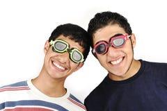 Dos adolescentes divertidos Imagen de archivo