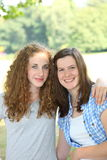 Dos adolescentes jovenes hermosos Fotografía de archivo libre de regalías