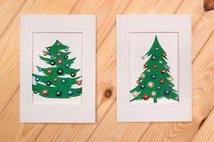 Dos adornaron tarjetas de Navidad Decoraciones hechas a mano del Año Nuevo Fotografía de archivo libre de regalías