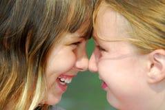 Dos amigos de muchacha Imagen de archivo libre de regalías