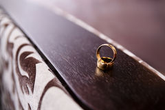 Dos anillos de bodas Fotografía de archivo