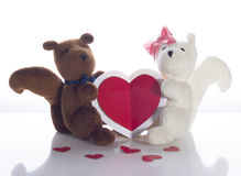 Dos ardillas con la tarjeta del corazón Fotografía de archivo
