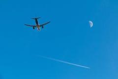 Dos aviones y lunas en el cielo Fotos de archivo libres de regalías