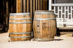 Dos barriles viejos del whisky fotos de archivo libres de regalías