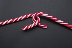 Dos bastones de caramelo dulces Fotos de archivo libres de regalías