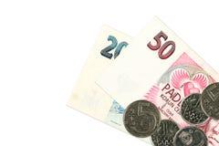 Dos billetes de banco y monedas checos de la corona fotos de archivo