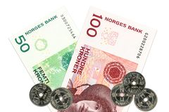 Dos billetes de banco y monedas de la corona noruega fotos de archivo libres de regalías