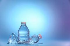 Dos botellas de agua Fotos de archivo libres de regalías