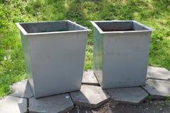 Dos botes de basura Imágenes de archivo libres de regalías