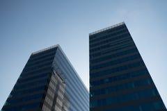 Dos buidlings del anuncio publicitario de la torre Imagenes de archivo