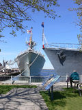 Dos buques de guerra    imagen de archivo libre de regalías