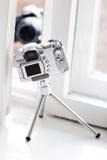Dos cámaras que miran el uno al otro Fotografía de archivo libre de regalías