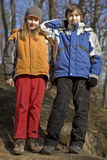 Dos cabritos en un parque del bosque Fotos de archivo