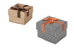 Dos cajas de regalo aisladas en el fondo blanco Fotografía de archivo libre de regalías