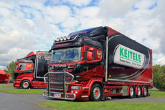 Dos camiones modificados para requisitos particulares de la astilla de Scania Fotografía de archivo libre de regalías