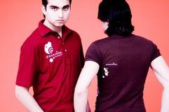 Dos camisas de los Individuos-Dreamstime Foto de archivo