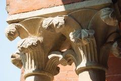 Dos capitales de las columnas iónicas del estilo imágenes de archivo libres de regalías