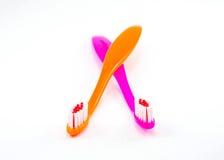 Dos cepillos de dientes coloridos Imagen de archivo